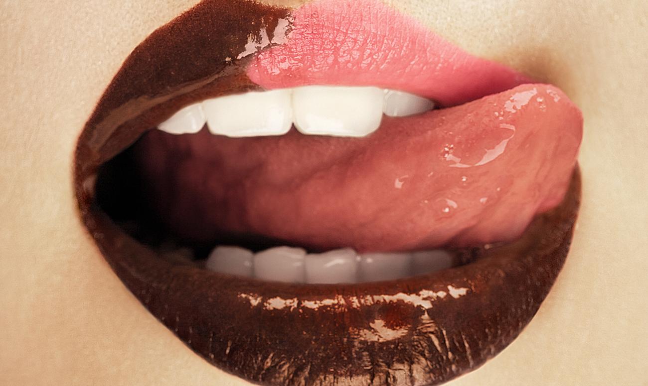 запах изо рта белый налет на языке