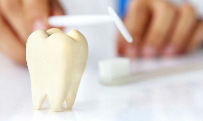 Внутриканальное отбеливание зубов: белизна изнутри!