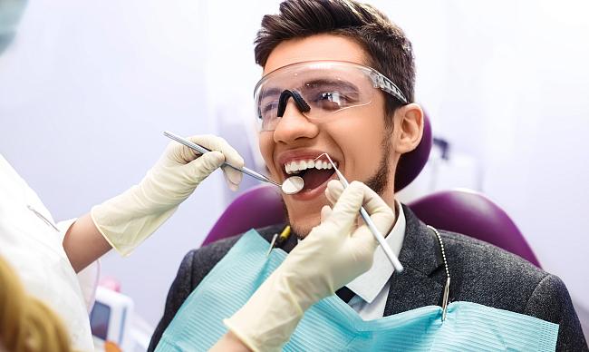 Вставить зубы – какие лучше?