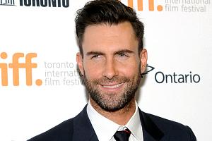 Фронтмен Maroon 5 не чистит зубы